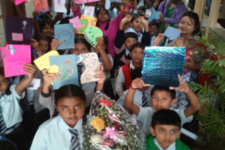 Pincushion Montessori International School-Art and Craft