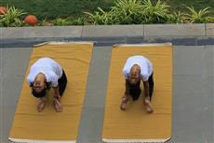 Nasr School-Yoga