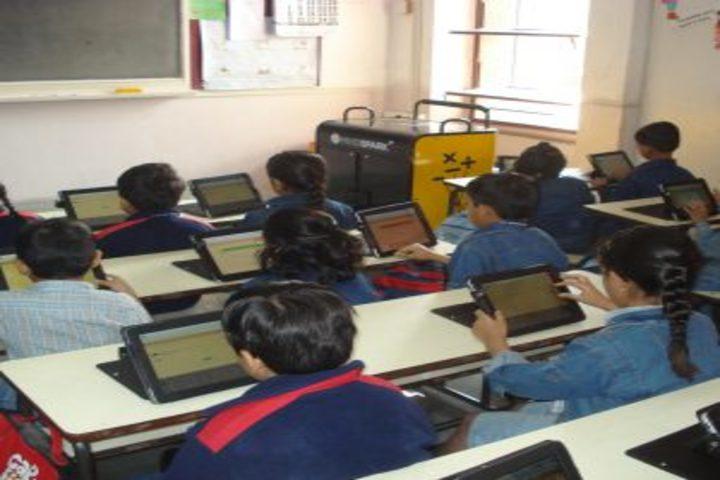 IRIS World School-Computer Lab