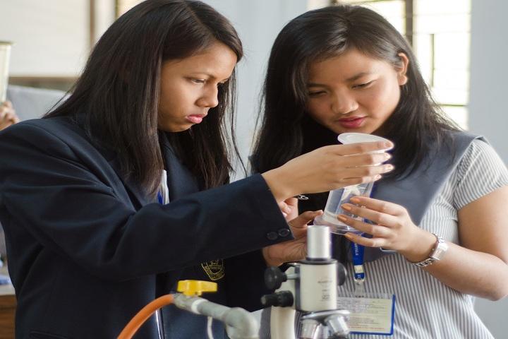 St Pauls School-Biology Lab