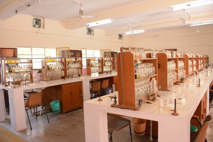 Seth Anandram Jaipuria School-Chemistry Lab