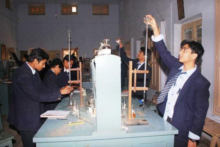 St Aloysius High School-Chemistry Lab
