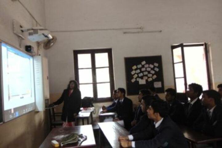 Colvin Taluqdars College-Smart Class