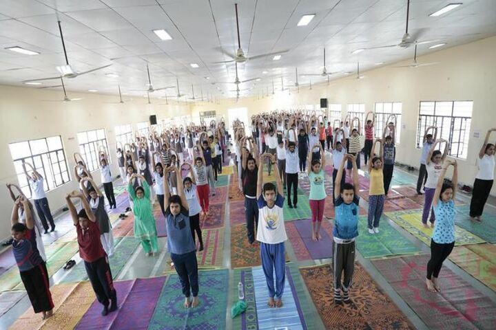 City Montessori Inter College-Yoga