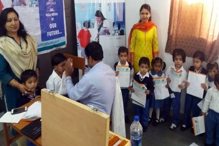 City Montessori Inter College-Medical Check up