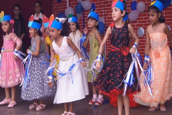 St Teresas Day School-Junior Dance