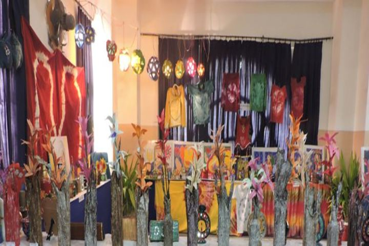 Dr Virendra Swarup Education Centre-Art and Craft Exhibition