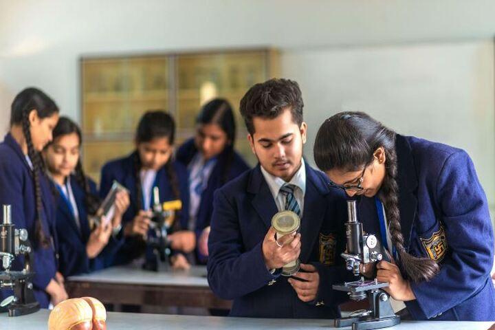 United Public School-Biology Lab
