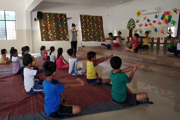 Scholars Home-Yoga