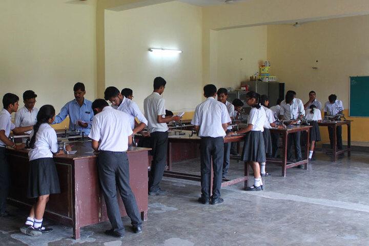 Dr Virendra Swarup 21St Century School-Physics Lab