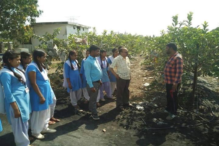 Govt Girls Higher Sec School Raipur-Education Tour