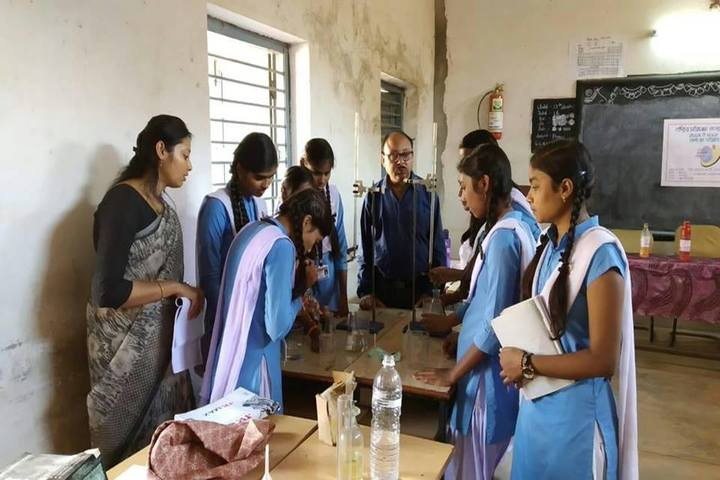 Govt Girls Higher Sec School Raipur-Science Lab