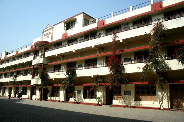 Spring Dale School-Campus