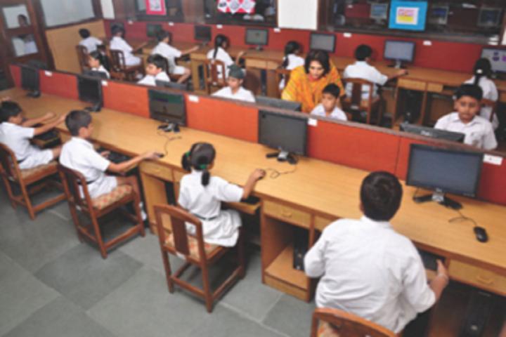 Creathics Public School-Computer Lab