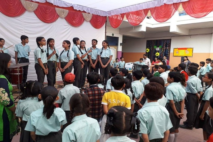 Sun Shine Public School-Group Singing