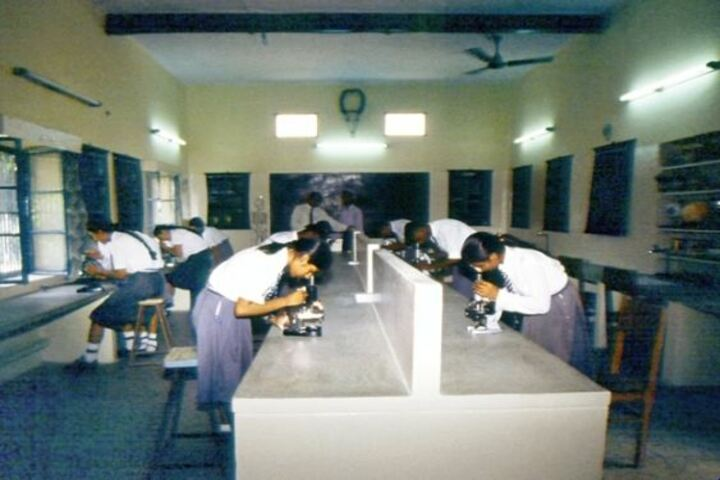 Seventh Day Adventist Inter College-Physics Lab