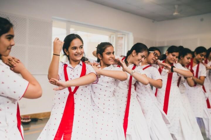 Hopetown Girls School - Dance