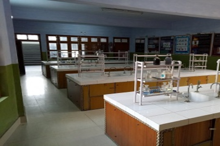 Carmel School - Chemistry Lab