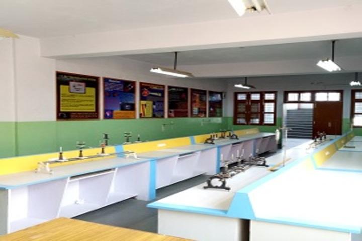 Carmel School - Physics Lab