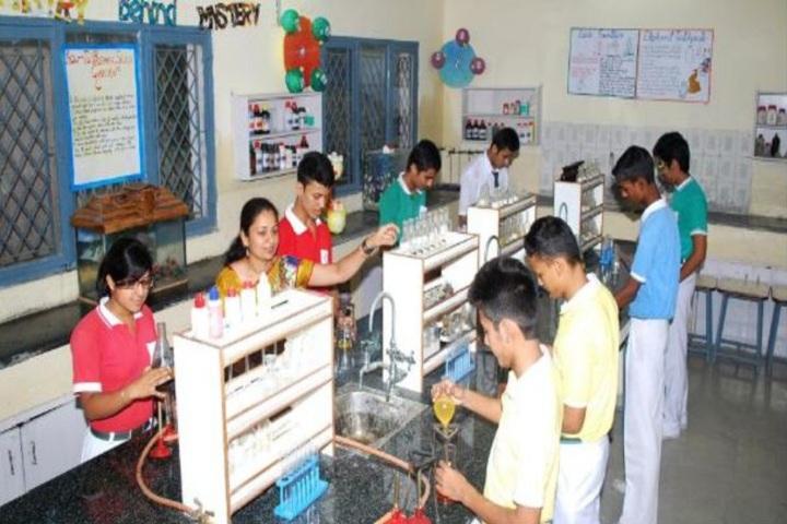 The Motessori School-Chemistry Lab