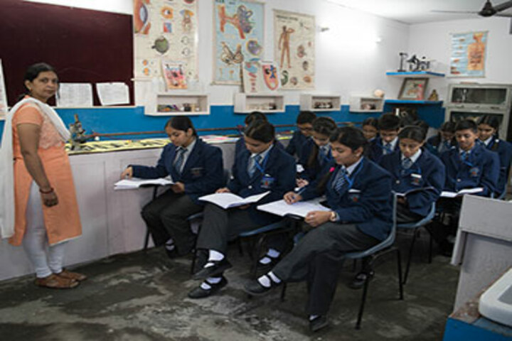 New Doon Blossoms School-Biology Lab