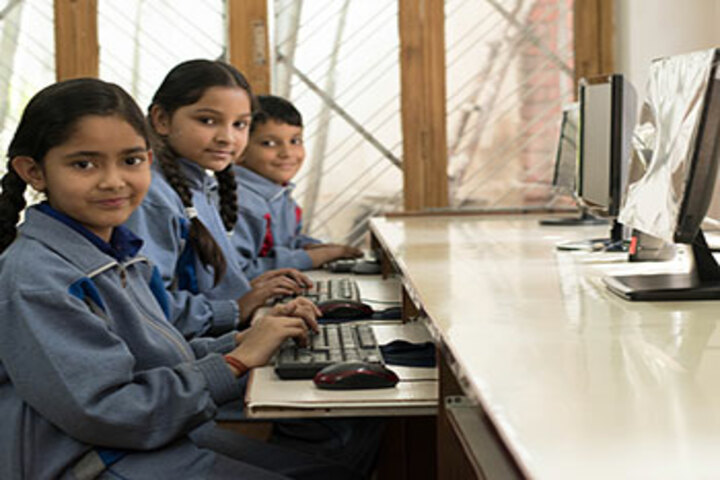 New Doon Blossoms School-Computer Lab
