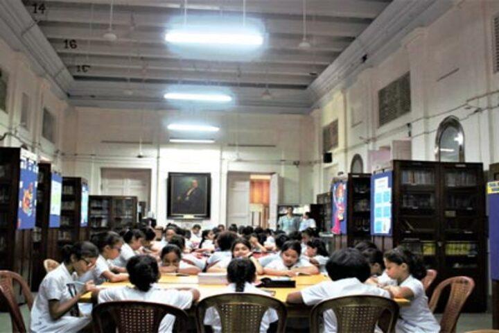 La Martiniere For Girls-Library