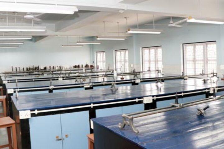 La Martiniere For Girls-Physics Lab