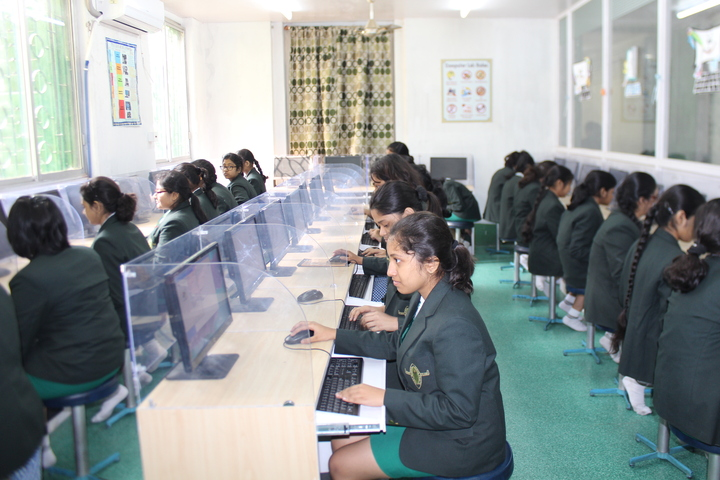 Pratt Memorial School-Computer Lab