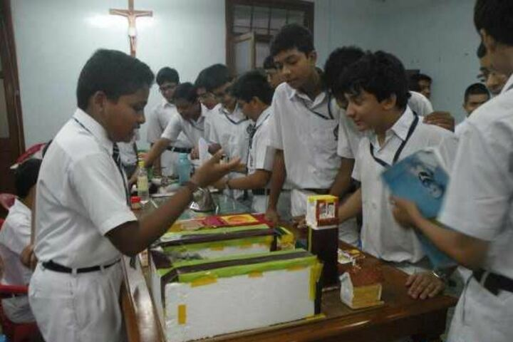 St XavierS Collegiate School-Exhibition
