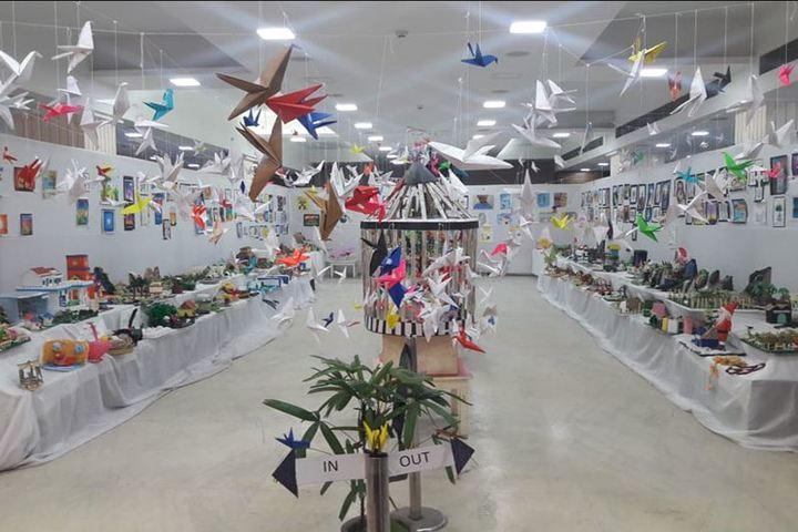Saifee Golden Jubliee English Public School-Art Exhibition
