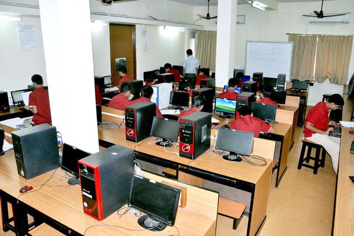 Saifee Golden Jubliee English Public School-Computer Lab