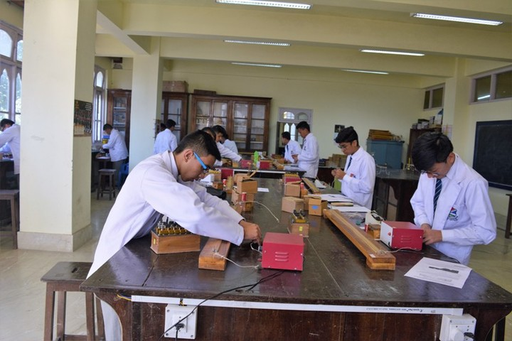 St JosephS College-Physics Lab