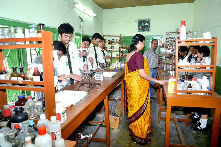 South End Centre School English Medium School-Chemistry Lab