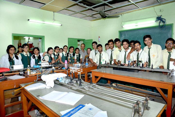 South End Centre School English Medium School-Physics Lab