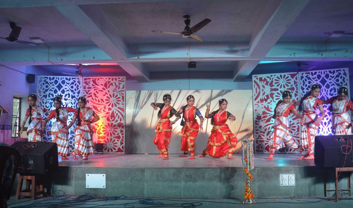 Central Modern School-Traditional Dance