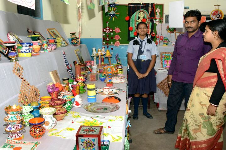 Tribeni Tissues Vidyapith-Art and Craft Exhibition