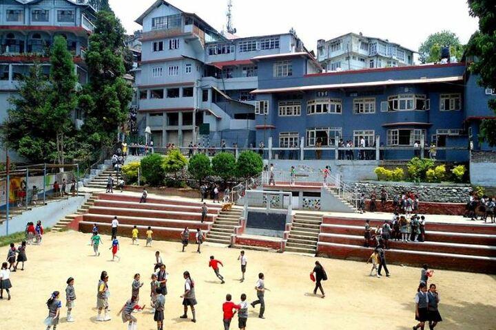 Saptashri Gyanpeeth-School Building