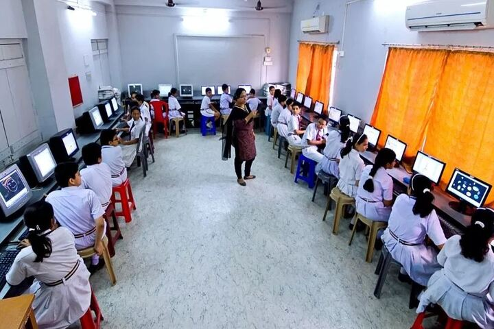 Calcutta Public School-Computer Lab
