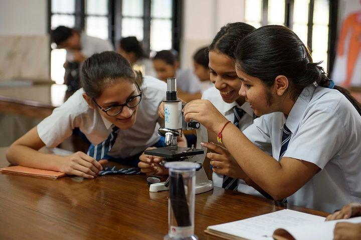 Nirmala Convent School-Biology Lab