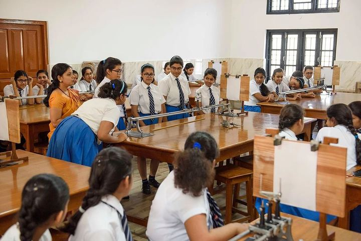 Nirmala Convent School-Physics Lab