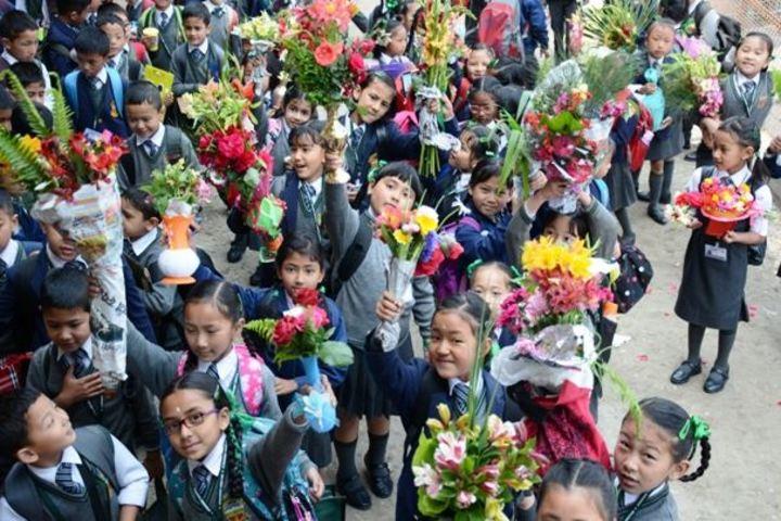 Gyanoday Niketan-Flower Arrangements