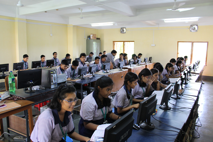 Holy Cross School-Computer Lab