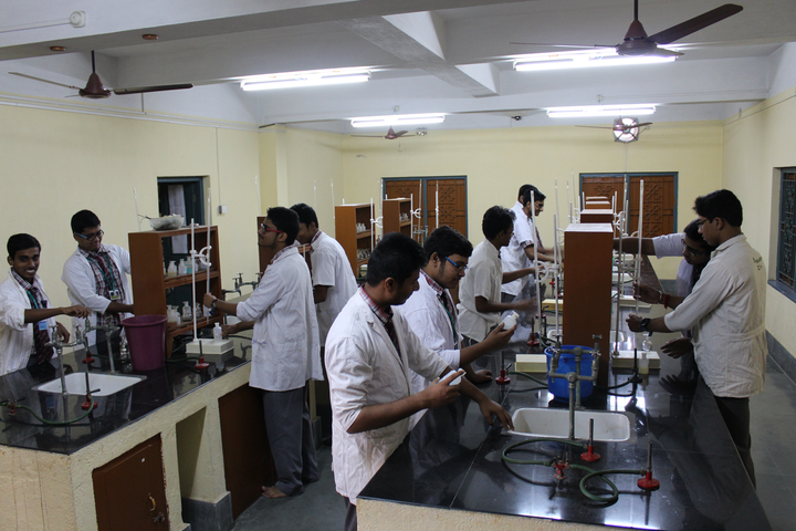Holy Cross School-Physics Lab