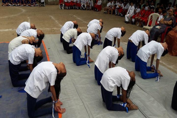 Modern English Academy-Yoga Activity
