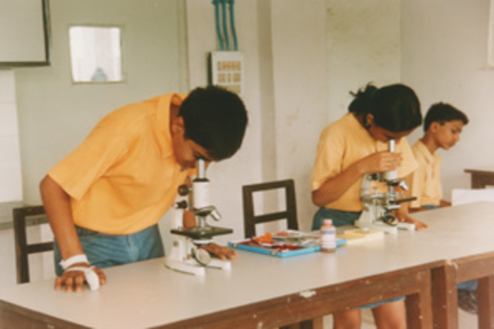 Akshar-Biology Lab