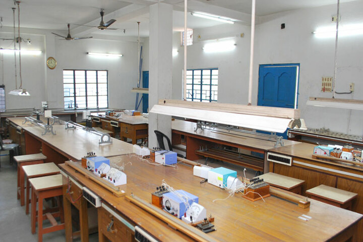 Assembly Of Christ School-Physics Lab