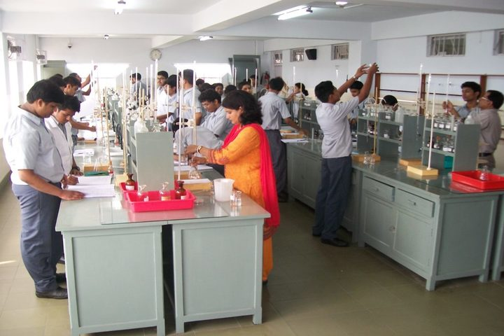 Garden High School-Chemistry Lab