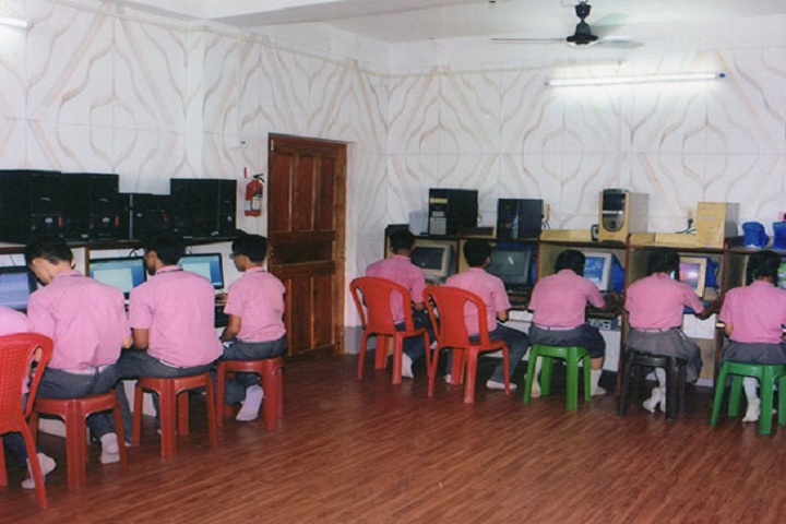 Lyceum English Medium School-Computer Lab