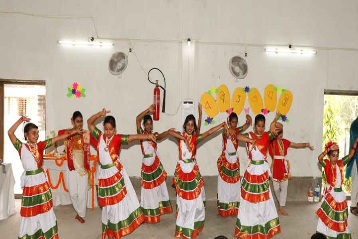 Burdwan Holy Child School-Group dances